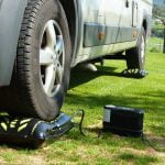 Flat-jack tyre cushion camper